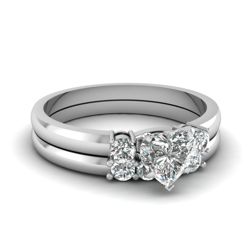 Heart Diamond 3 Stone Wedding Set