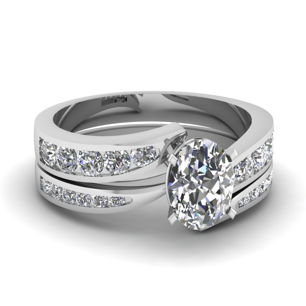 Oval Shaped Swirl Wedding Set