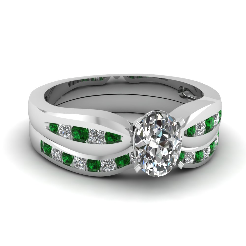 Channel Wedding Set With Emerald