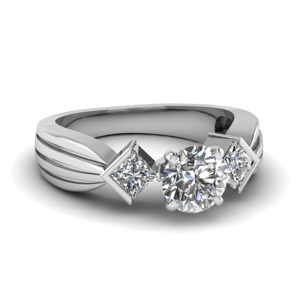 Three Stone Round Engagement Rings