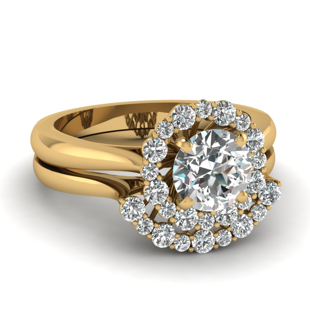 Round Diamond Halo Wedding Ring Set
